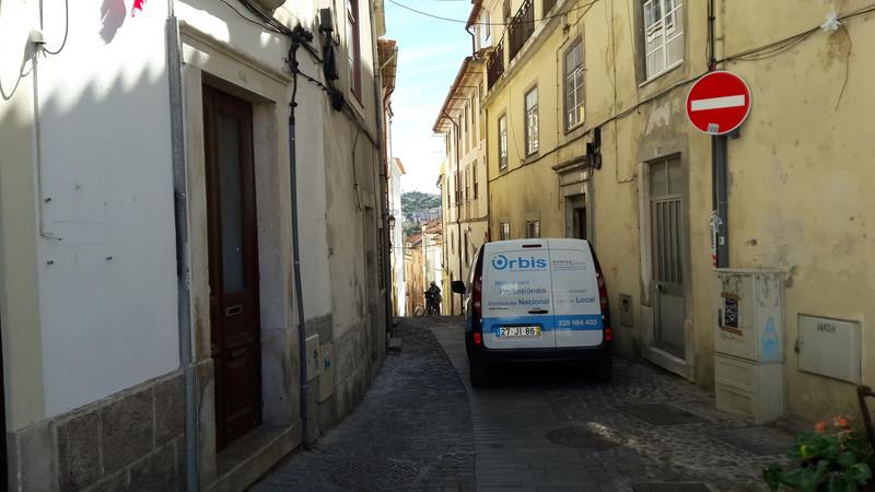 20170801 162752 Coimbra fel az egyetem felé