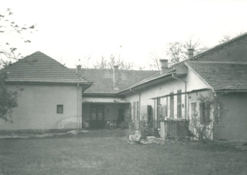 Rákospalotai Múzeum Kossuth utcai épületének udvara