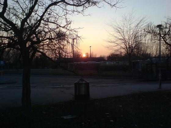 Stefidzsi: naplemente buszokkal