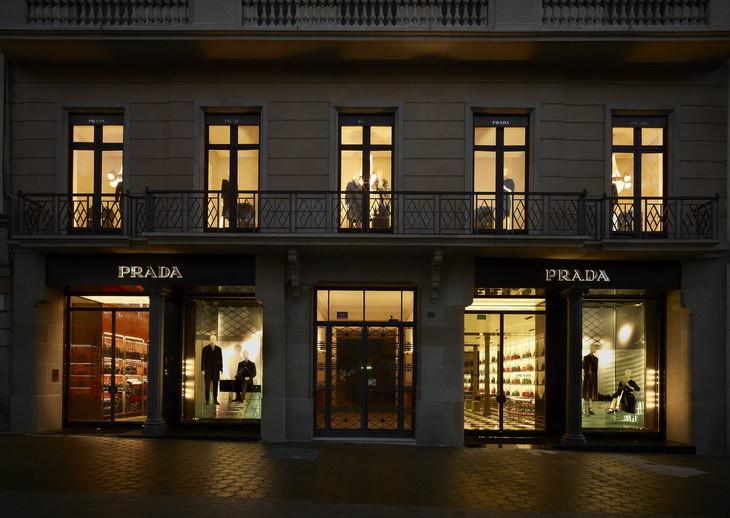 The Strange: PRADA-Store-Barcelona-01 - indafoto.hu