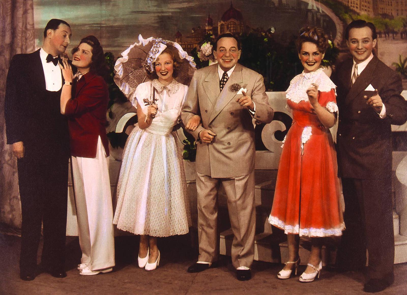 Ifj. Latabár Árpád, Karády Katalin, Bársony Rózsi, Dénes Oszkár, Németh Marika és Gozmány György Ábrahám Pál Bál a Savoyban című operettjében. Fővárosi Operettszínház, 1948.