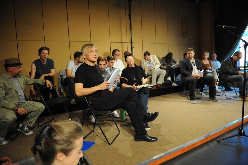 Az Örkény Színház Aranyozás című előadásának főpróbája