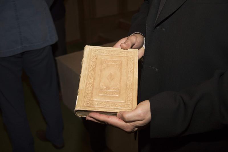 Visszakerül Erdélybe a restaurált Székely-krónika