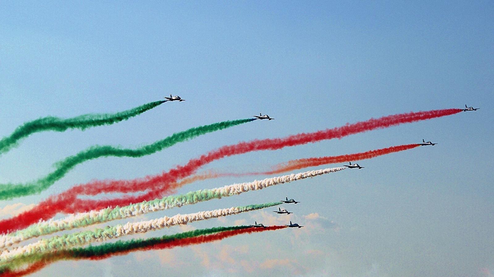 tourista: Frecce Tricolori Olaszországból Kecskeméti Repülőnap 2013
