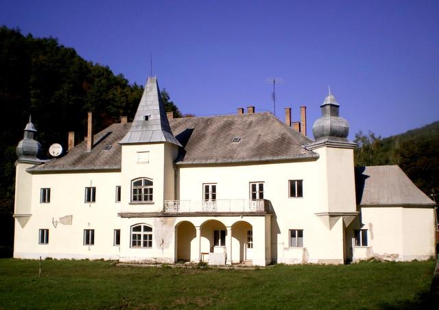 Háromhuta (Újhuta) Waldbott (Bretzeinheim) kastély
