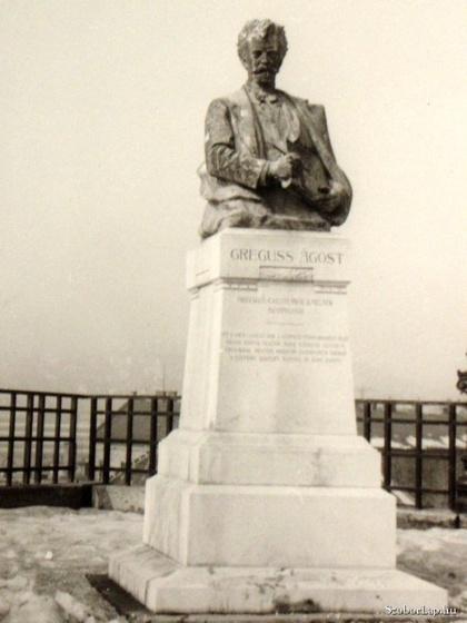 fovarosi.blog.hu: GregussAgostSzobra-1913-Szoborlap.hu