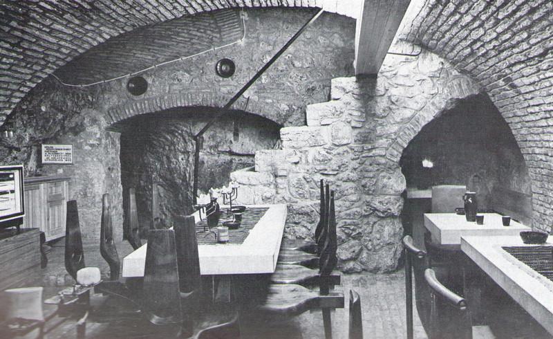 fovarosi.blog.hu: FeherGalambHaz-Borozo-MagyEpMuv-1969-06-p17
