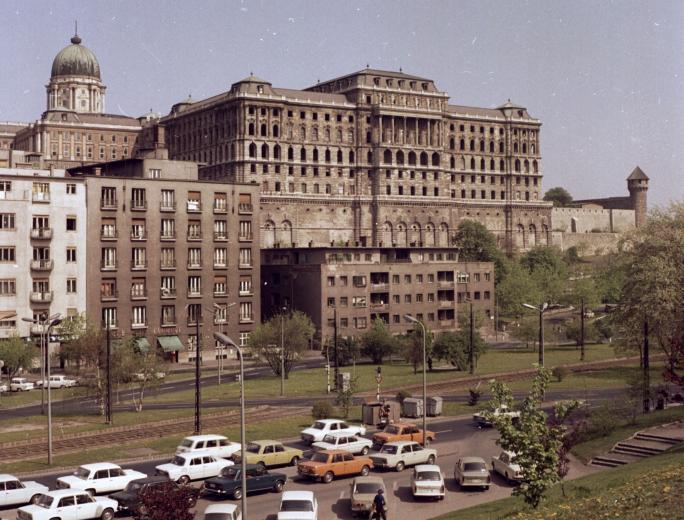 fovarosi.blog.hu: BudaiVar-1970esEvek-fortepan.hu-29282