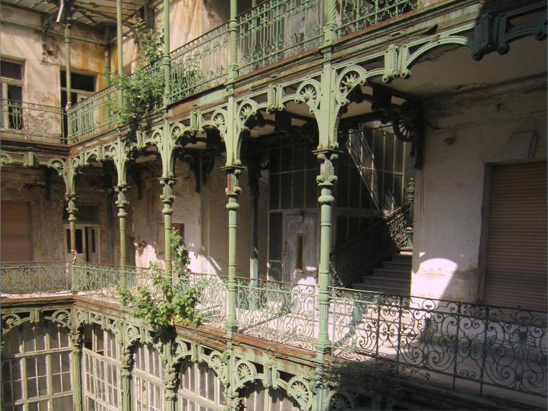 fovarosi.blog.hu: EiffelPalace-FelujitasElott-01 - indafoto.hu