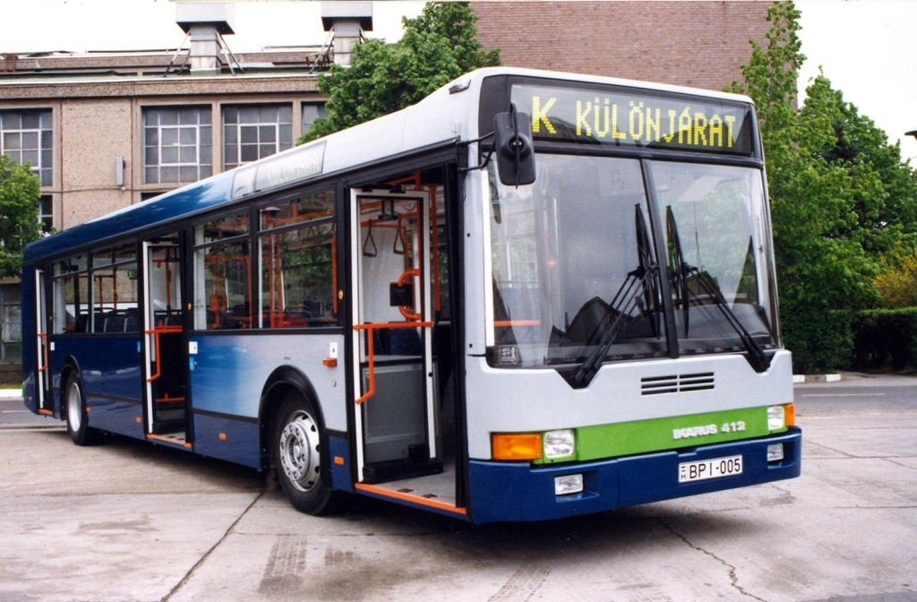 Ikarus412-Regi1-iho.hu