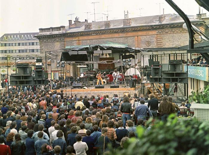 fovarosi.blog.hu: Varbazar-1980Korul-fortepan.hu-16009 - indafoto.hu