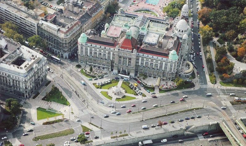 fovarosi.blog.hu: Metro4-2003Korul-GellertTer - indafoto.hu