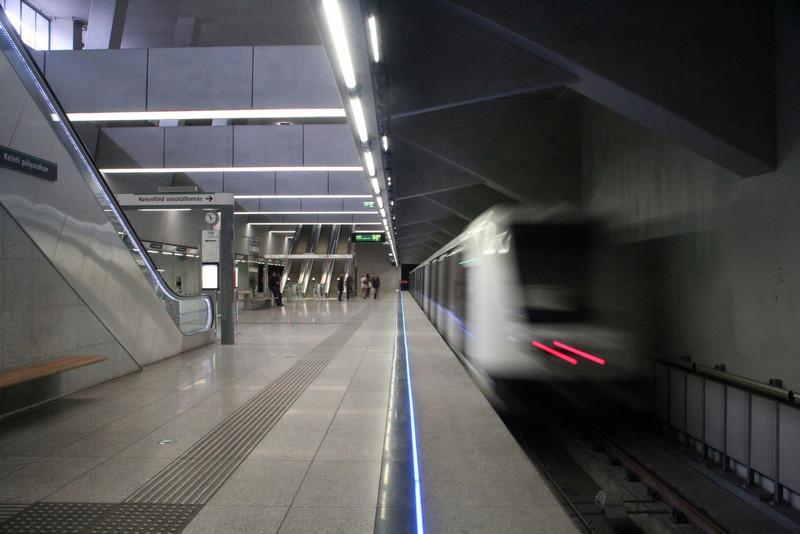 fovarosi.blog.hu: Metro4-BarossTer-20150419-13 - indafoto.hu