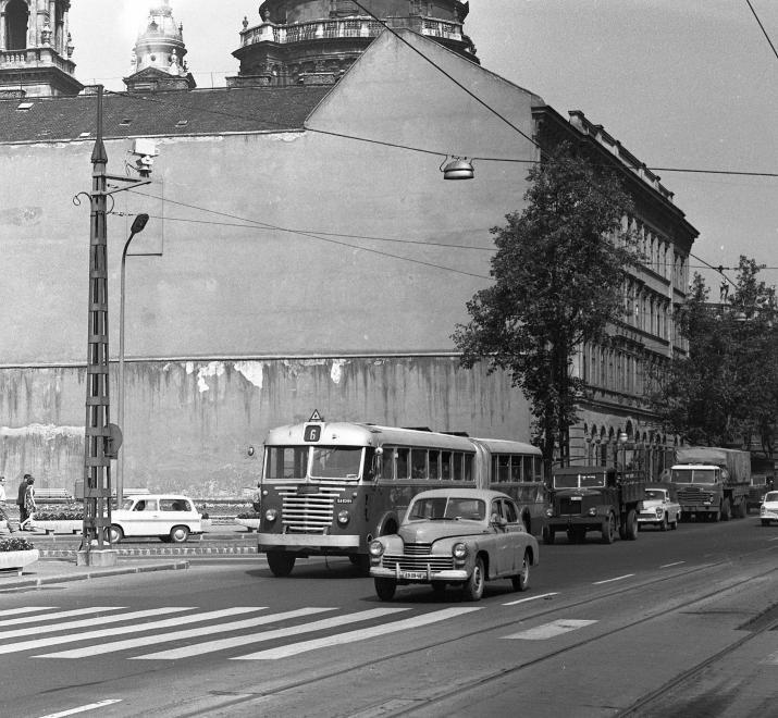 fovarosi.blog.hu: BajcsyIrodahaz-1966-fortepan.hu-65427 - indafoto.hu