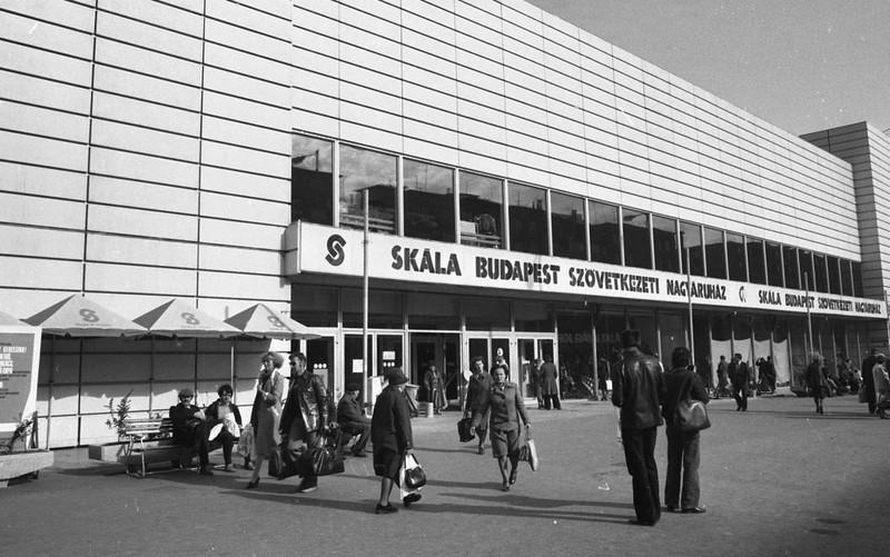 fovarosi.blog.hu: BudaiSkala-1980-fortepan.hu-66510 - indafoto.hu