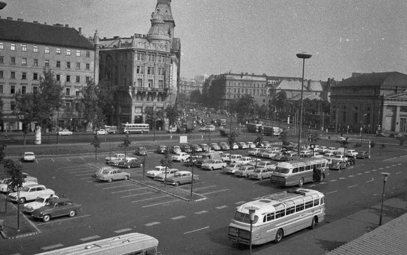 fovarosi.blog.hu: ErzsebetTer-1966-fortepan.hu-65389 - indafoto.hu