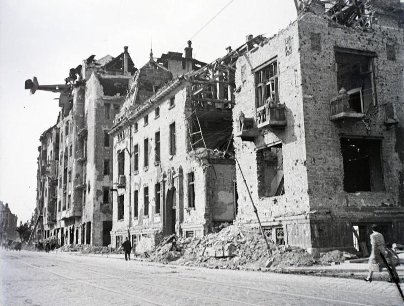 fovarosi.blog.hu: AttilaUt-1945Korul-fortepan.hu-116654 - indafoto.hu