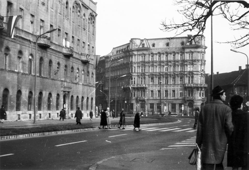 JozsefAttilaUtca-1968Korul-fortepan.hu-116306