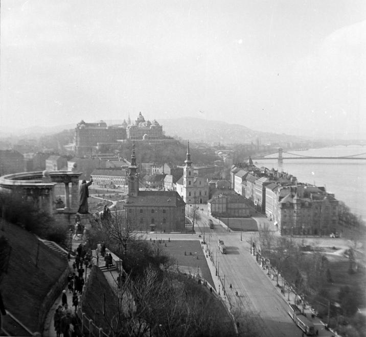 DobrenteiTer-1943Korul-fortepan.hu-120271