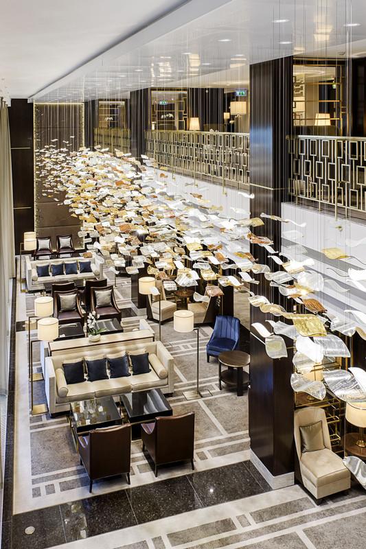 Hilton-BudaiVar-2017-Lobby Lounge-Uj-02