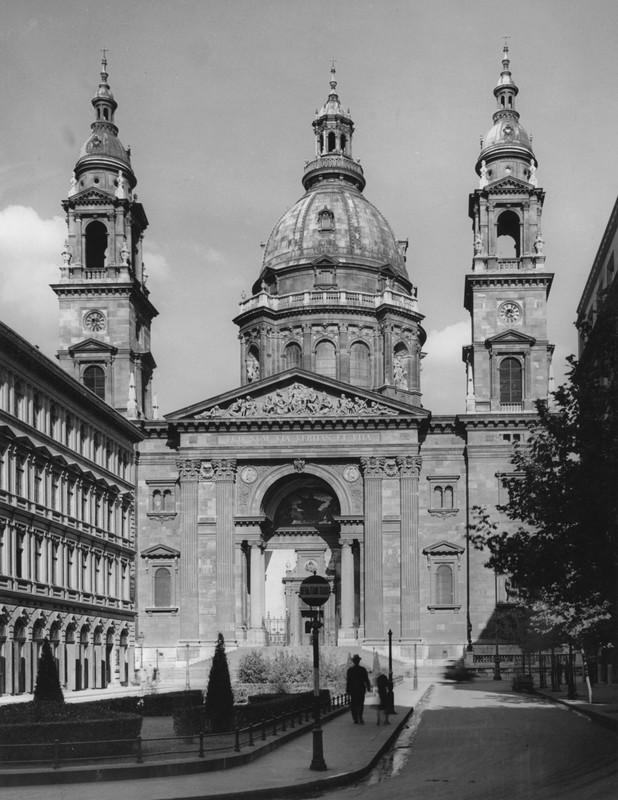 Bazilika-1940esEvek-Fortepan.hu-24125