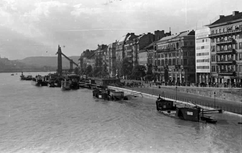 BelgradRakpart-1954Korul-fortepan.hu-170498
