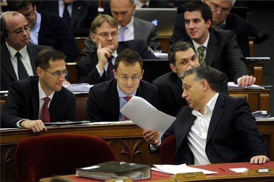 parlament-origohirek hu