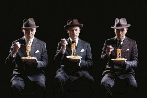 gotan project italia spaghetti vestito gessato mafia gangster-58