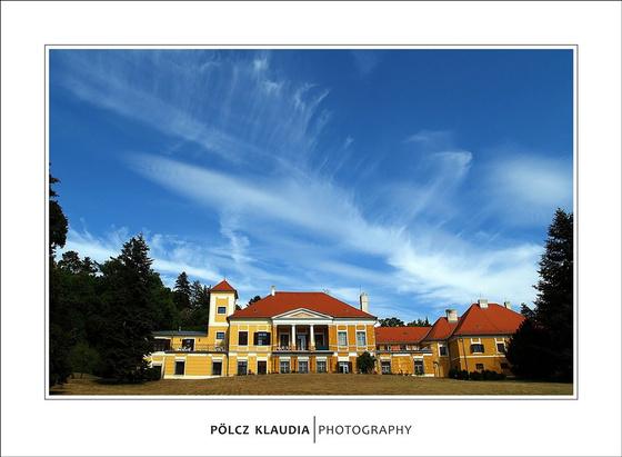 kisklau: Esterházy Kastély – Irodalmi Alkotóház - A kastély parkja – Szig