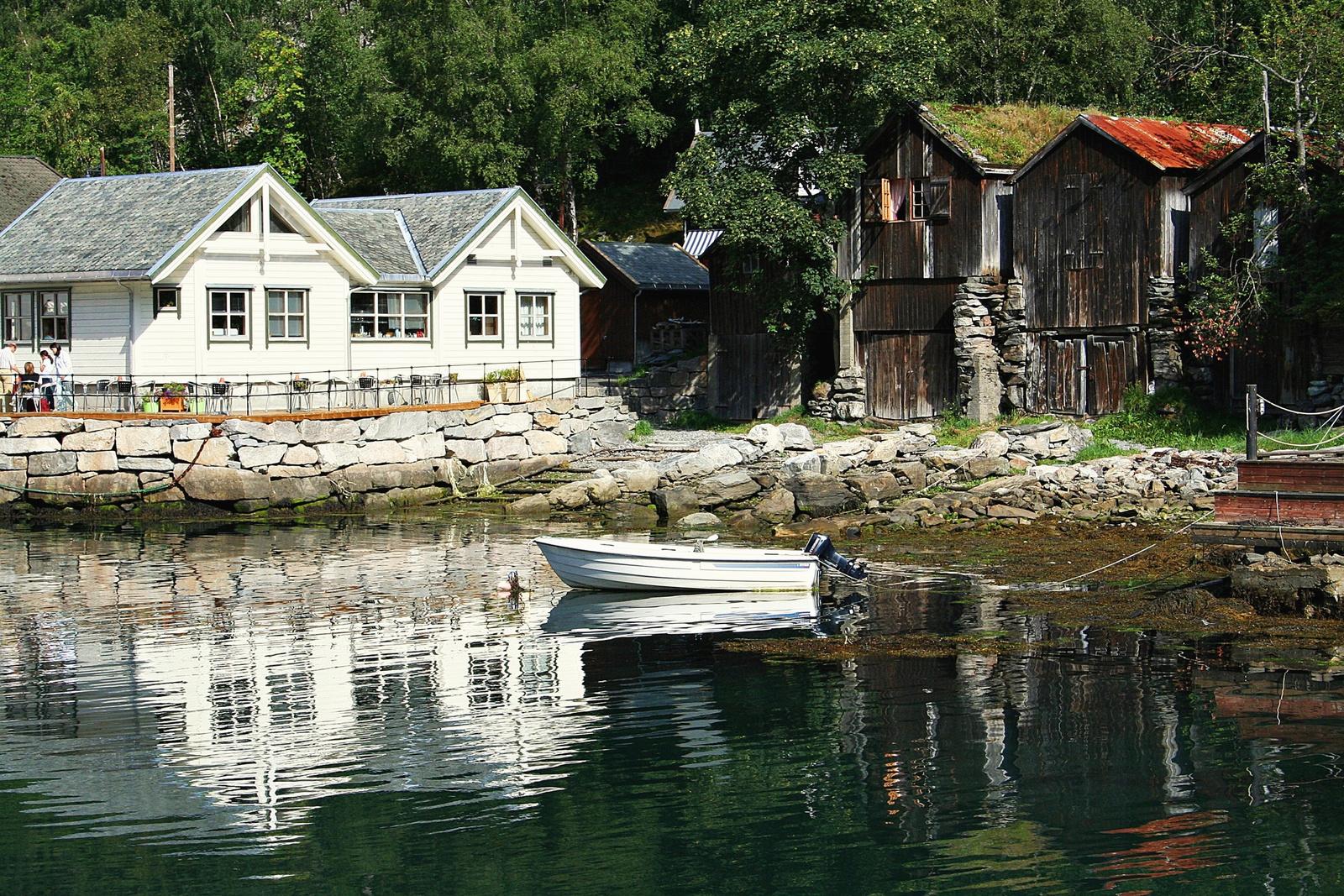 Csónakházak