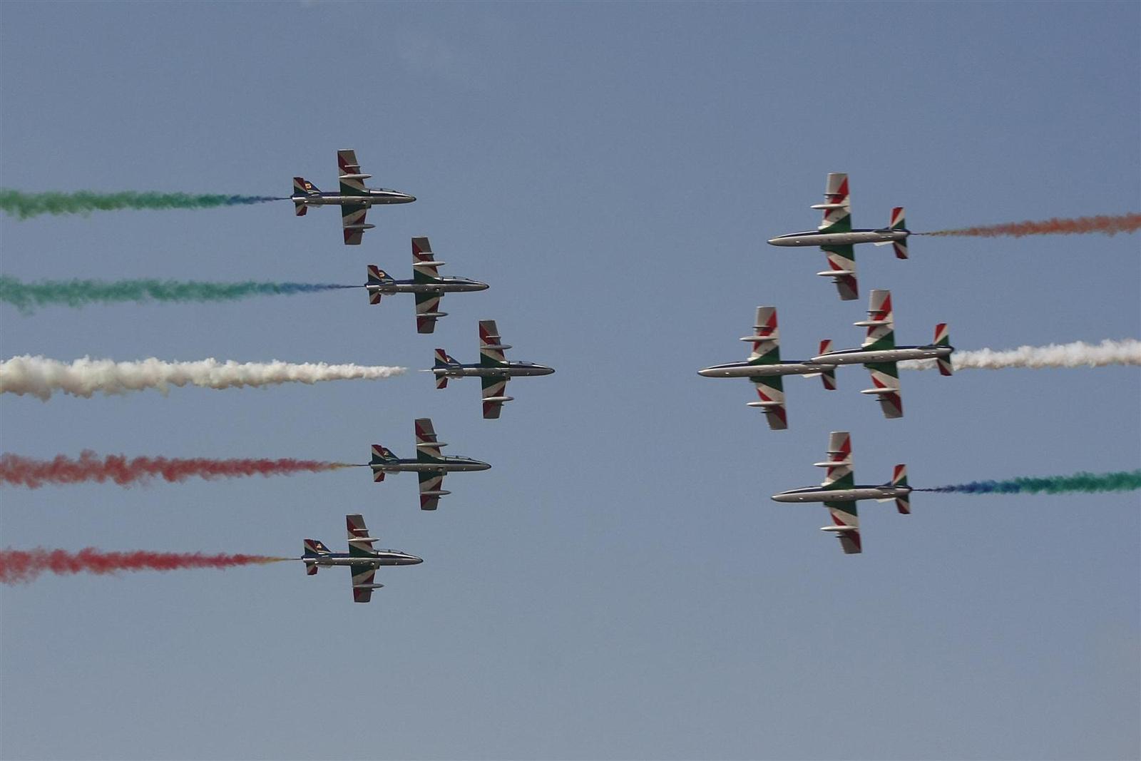 sanyikám: Kecskemét repülőnap 2013 - Frecce Tricolori MB-339 Olaszország