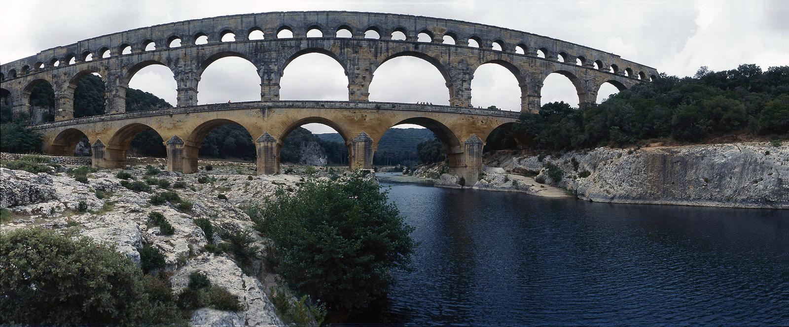 sm33: Pont du Gard pano