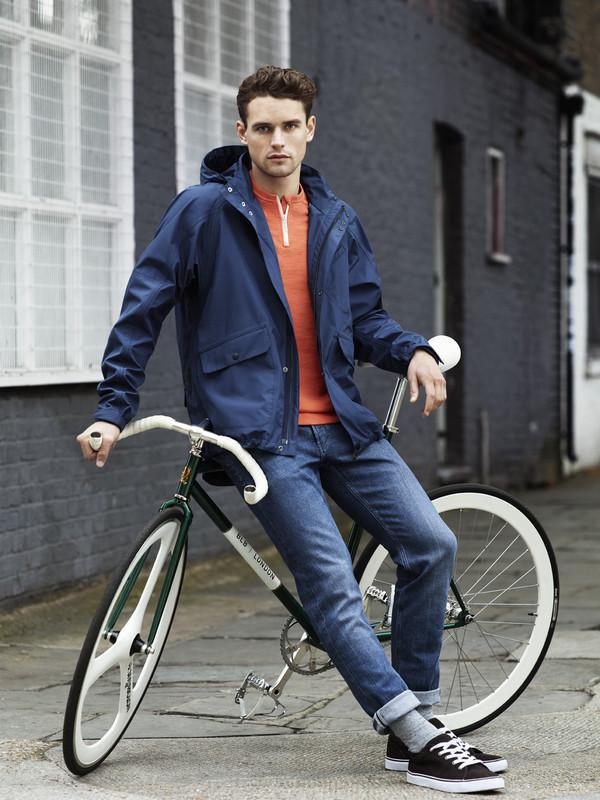 Itt a H&M bringás kollekciója a londoni Brick Lane Bikes egyedi biciklijével