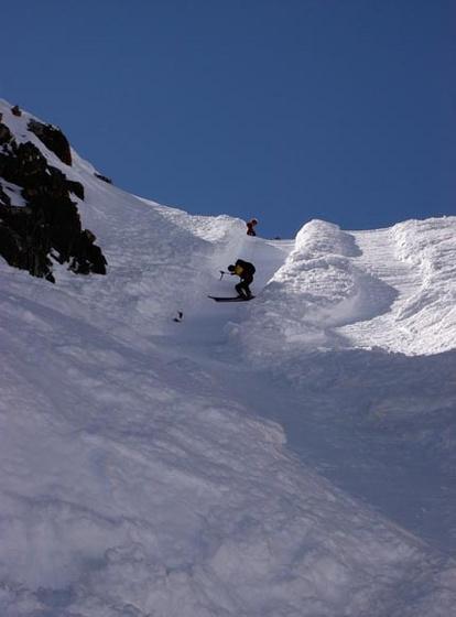 agoston.viktor: 28 Andrea sideslipping down Col Du Chardonnet