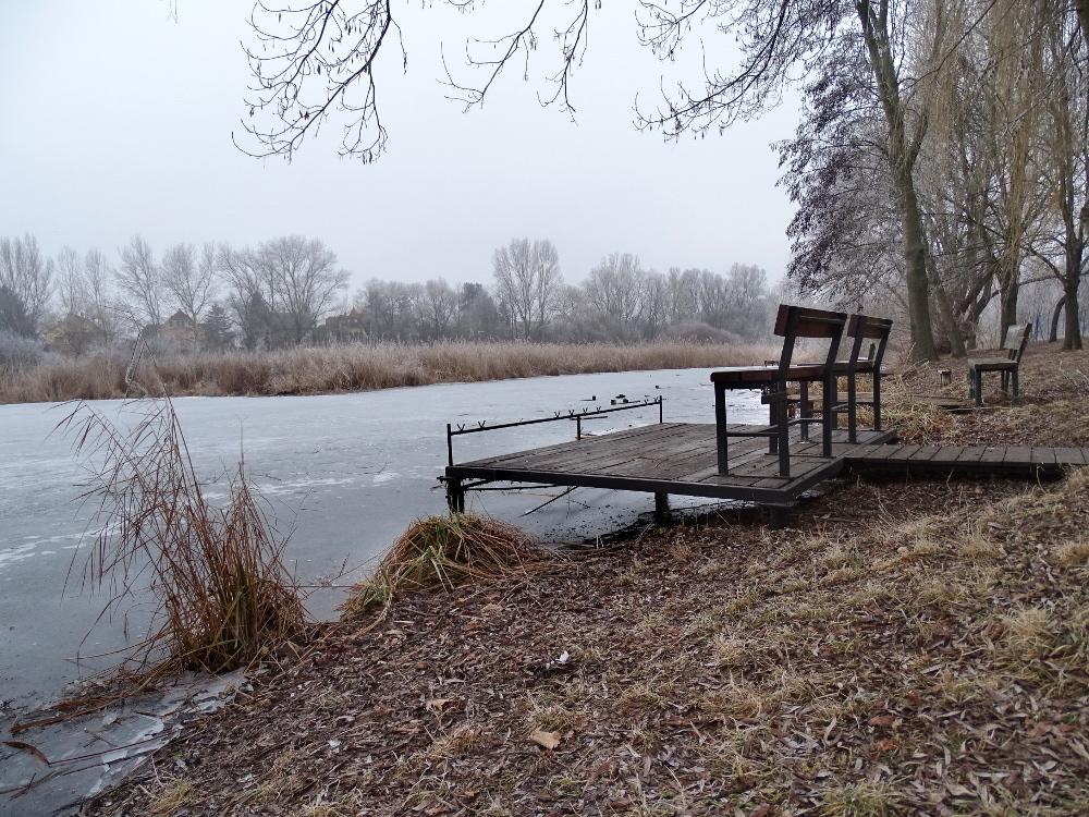 Veresegyház - tó horgás stég1
