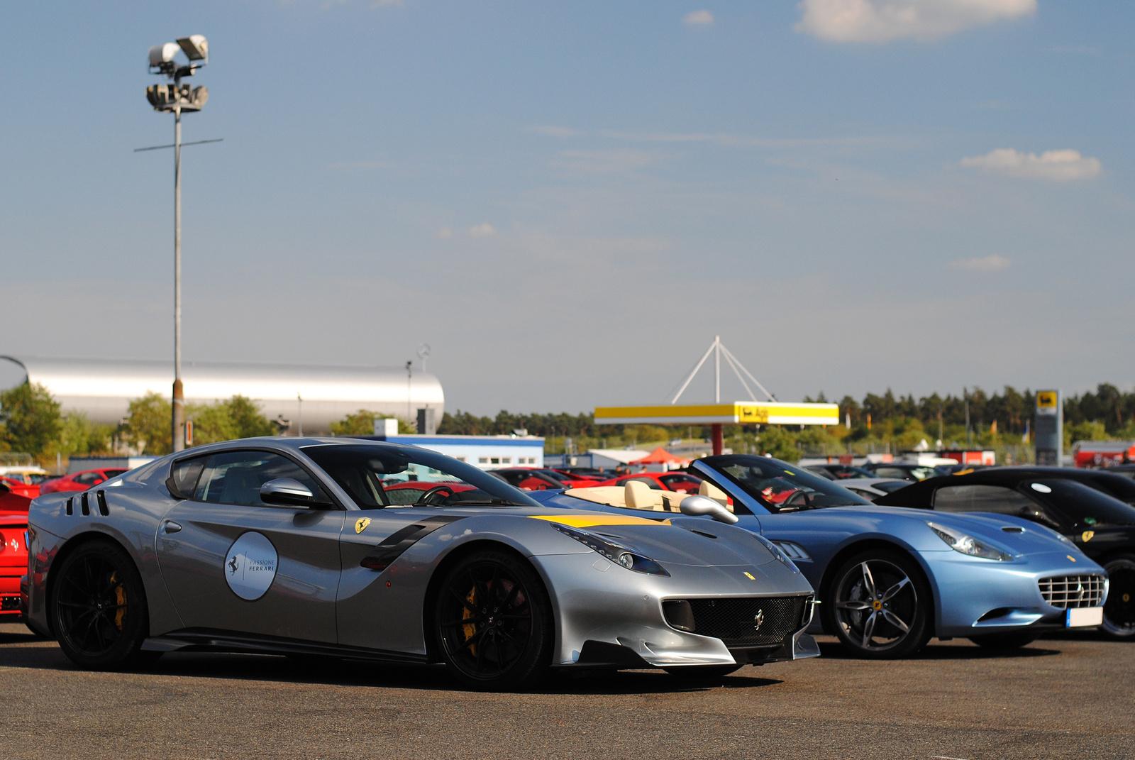 Ferrari F12tdf - Ferrari California
