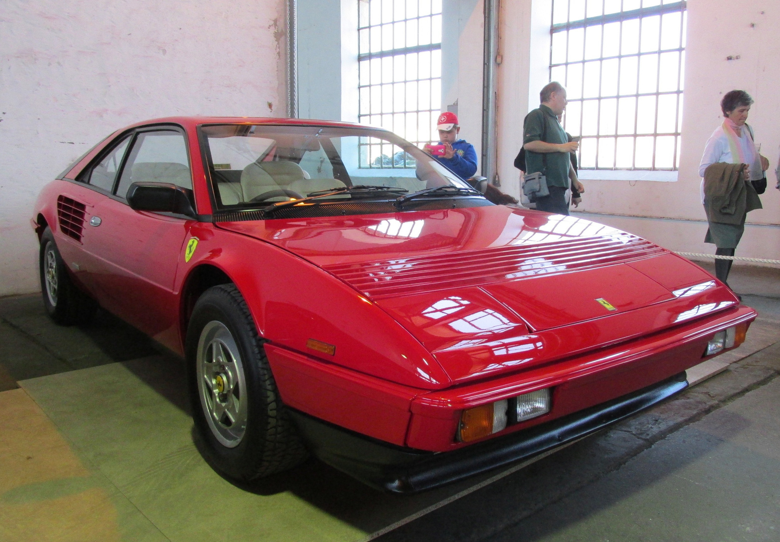 ferrari mondial 8 qv 1980 ferrari mondial 8 related infomation specifications weili automotive. Black Bedroom Furniture Sets. Home Design Ideas