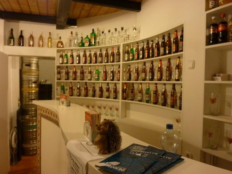 Sok az üveges
