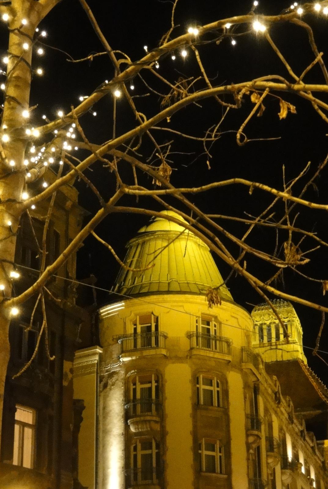 Hotel Gellért esti fényben.
