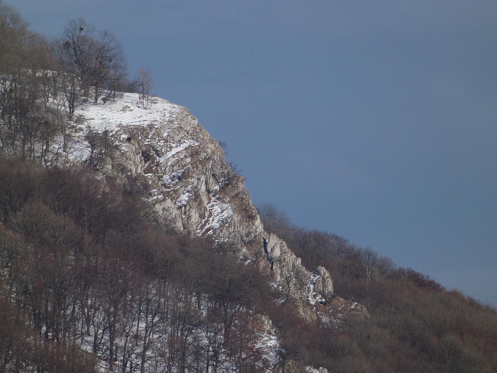 Tar-kő