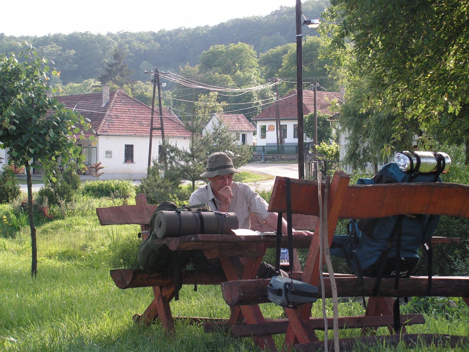 442 Pihenő Irota falu központjában