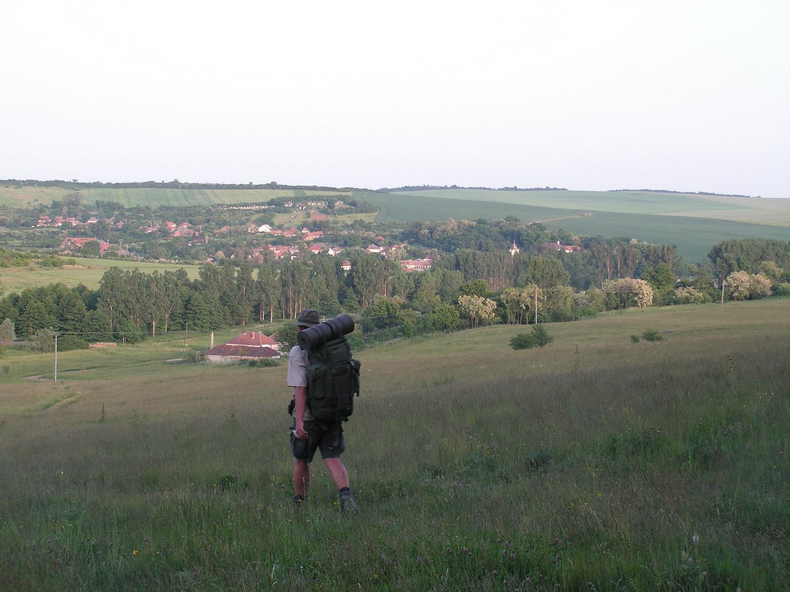 444 Estére (31 km után) Felsővadászra érünk