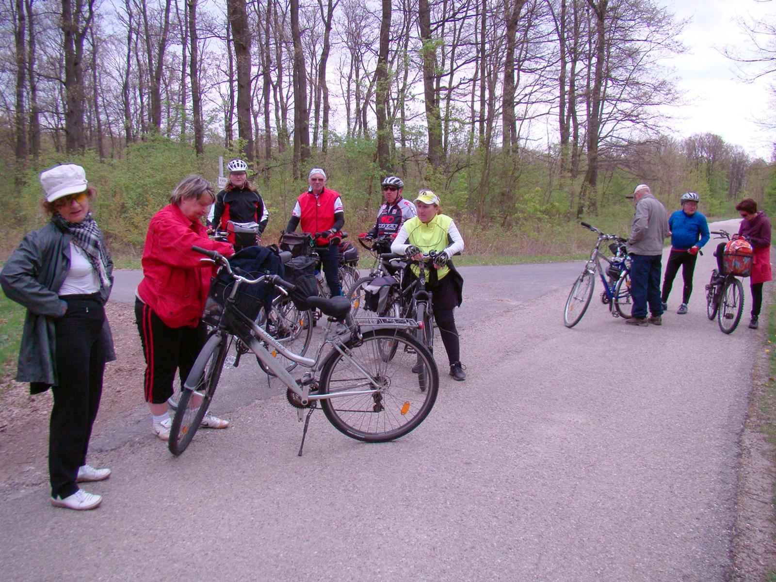 2012 április Győr-Pannonhalma-Győr bringatúra (95)