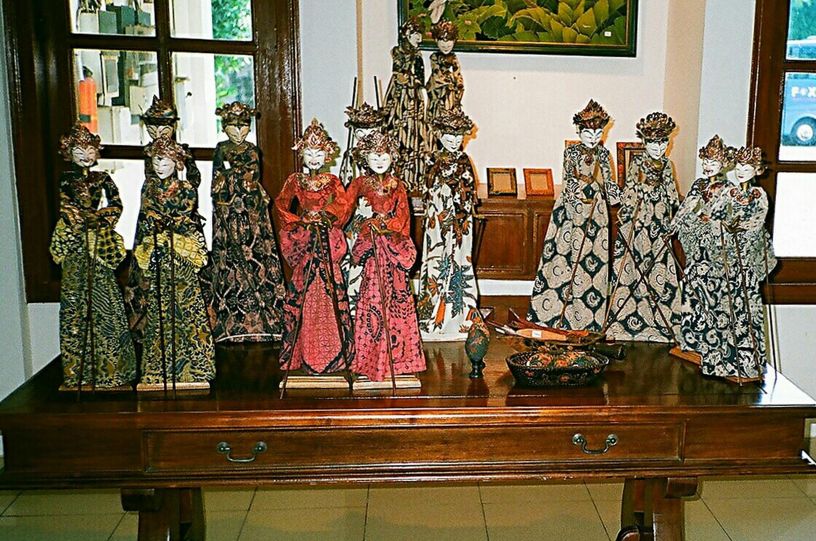Batikolt babák