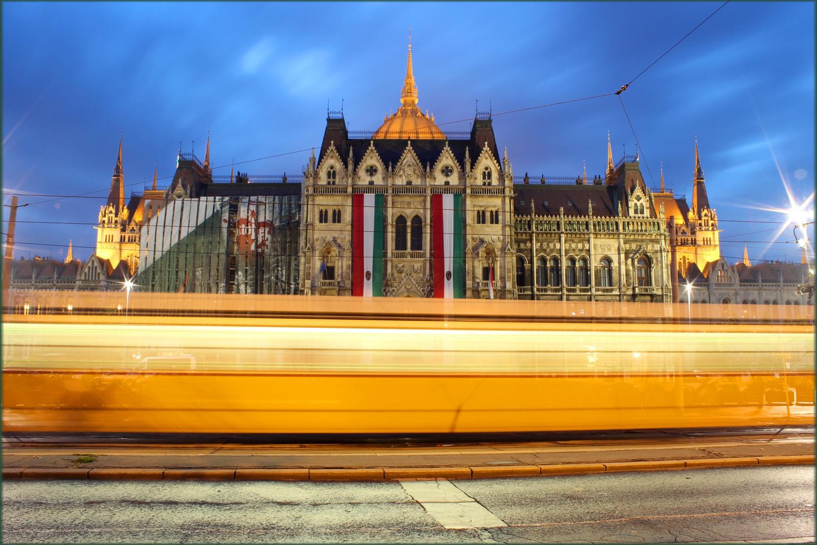 Kossuth Lajos tér, Országház