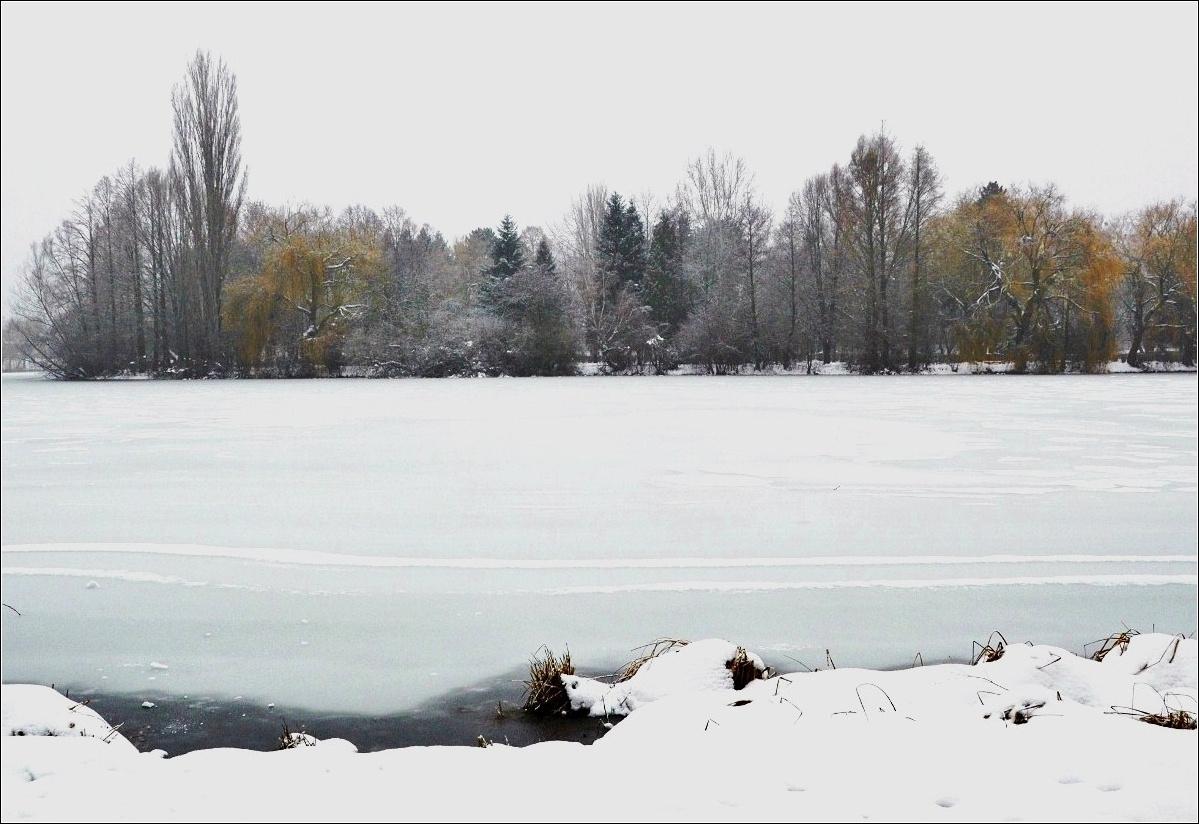 Bafagyott tó