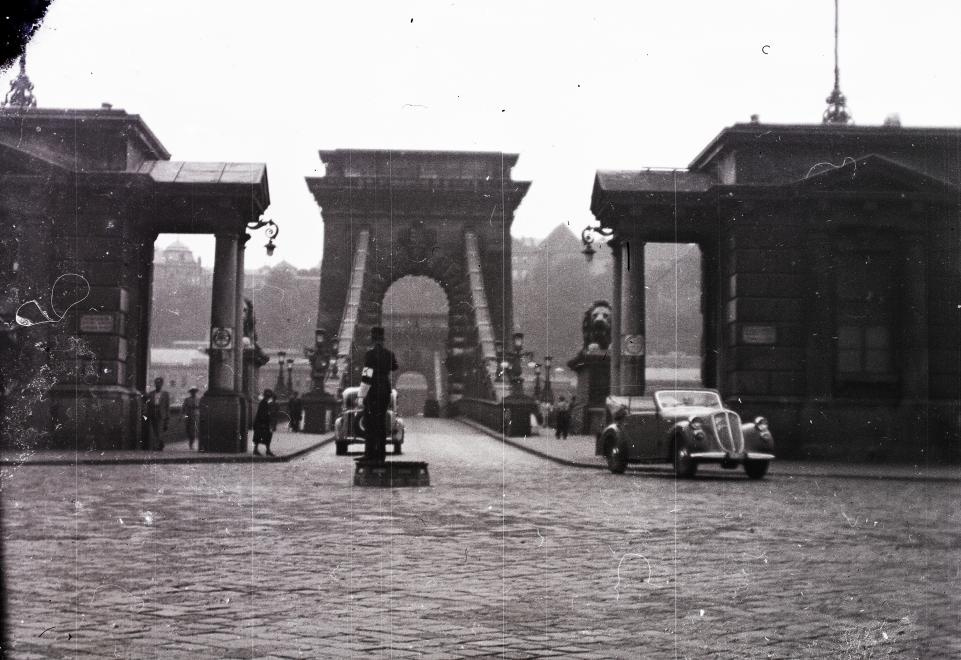 Lanchid-1940-fortepan.hu-94429