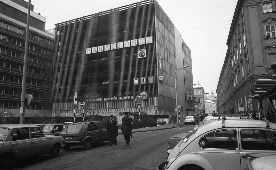 OMFBSzekhaz-InteragParkolohaz-1980-fortepan.hu-66412