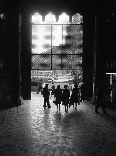 ParisiUdvar-1982-fortepan.hu-66950
