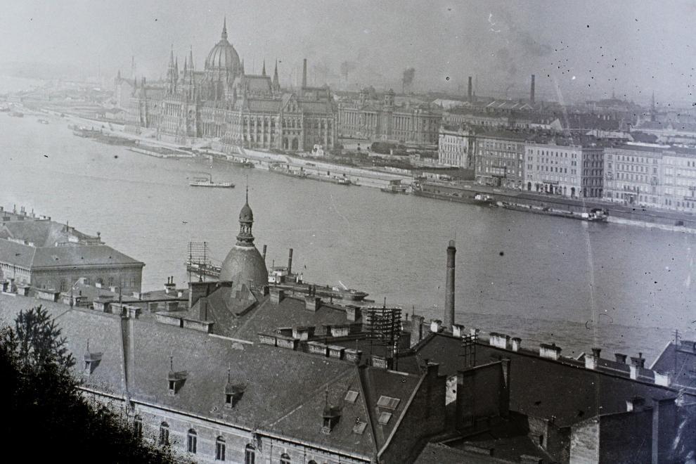 KossuthTer-1909Korul-fortepan.hu-95232